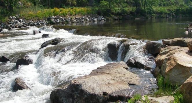 Tuck_river_left
